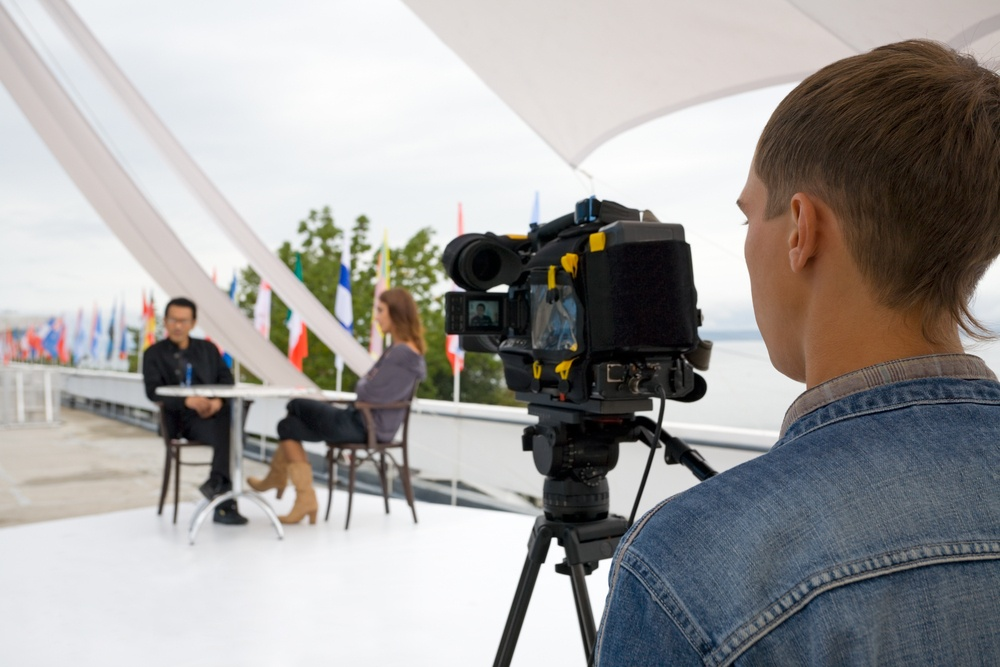 Expert-led video interview